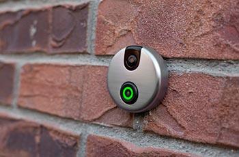 Wi-Fi видеозвонок на входную дверь skybell