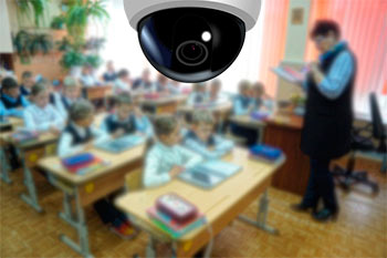 камера видеонаблюдения в школьном классе
